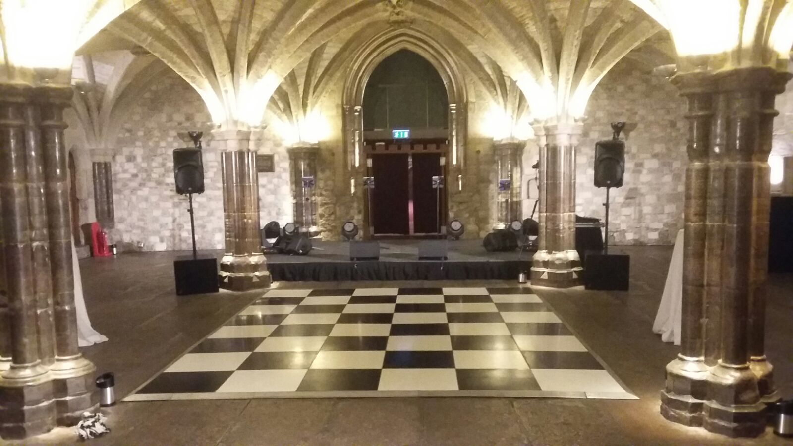 BW24 - Black White Chequered - Guildhall