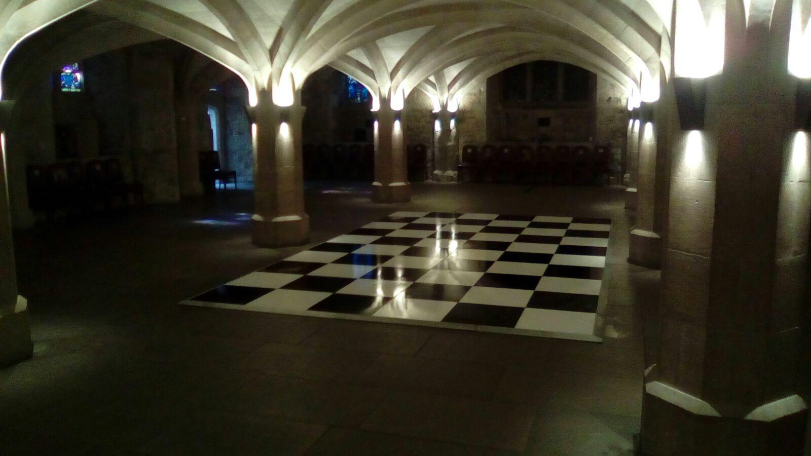 BW32 - Black and White Chequered - Guildhall Crypt